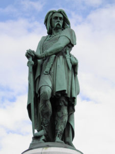 the_colossal_statue_of_vercingetorix_alesia